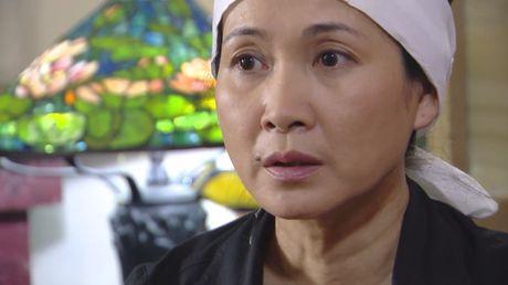 Me chong Lan Huong khong con lo ra duong bi 'nem da' trong 'Giao mua' - Anh 4