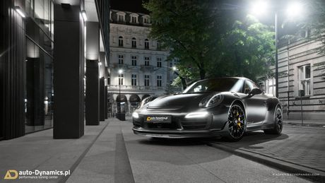 Porsche 911 Turbo S do phong cach Dark Knight 'cuc doc' - Anh 1