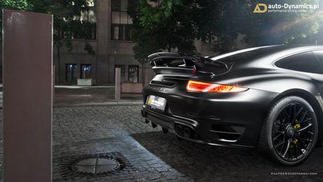 Porsche 911 Turbo S do phong cach Dark Knight 'cuc doc' - Anh 5