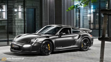 Porsche 911 Turbo S do phong cach Dark Knight 'cuc doc' - Anh 9