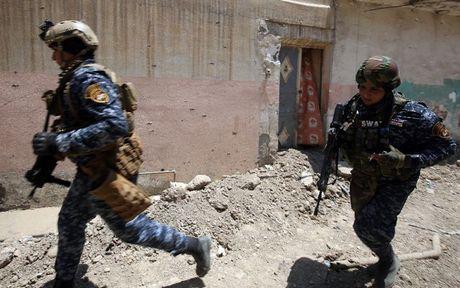 Quan Iraq ra toi hau thu voi IS 'dau hang hay la chet' o Mosul - Anh 1