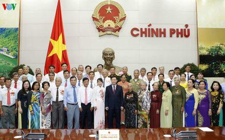 PTT Vuong Dinh Hue tiep doan dai bieu nguoi co cong tinh An Giang - Anh 2