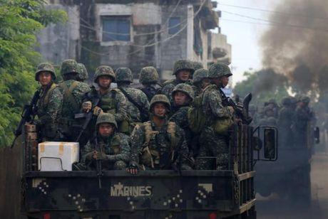 Tong thong Duterte cam ket tai thiet Marawi 'tuoi dep tro lai' - Anh 1