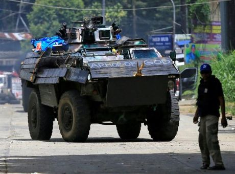 Tong thong Duterte cam ket tai thiet Marawi 'tuoi dep tro lai' - Anh 6