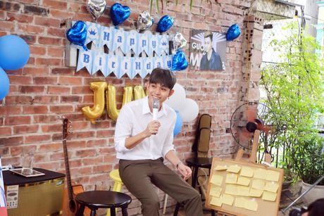 Jun Pham ke ve bi mat nu hon danh cho Thanh Duy trong 'Co gai den tu hom qua' - Anh 6