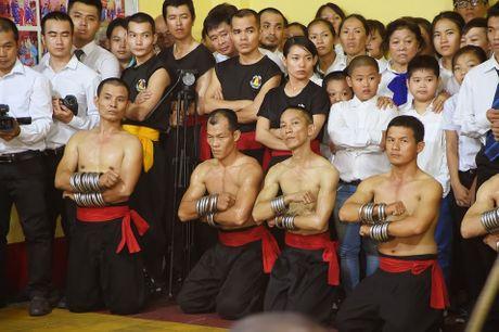 Ben trong vo duong cua Nam Huynh Dao - Anh 12