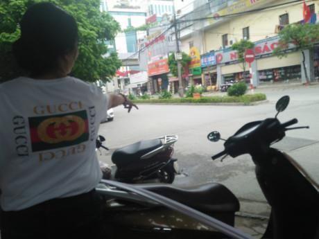 Lanh dao quan an bun: Tam su chu tich phuong bi phat - Anh 2