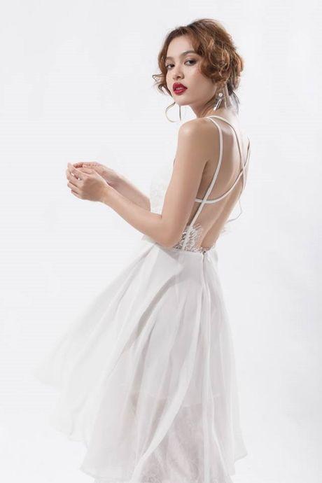 Loi mac phong khoang cua 3 nang 'nam lun' sexy showbiz Viet - Anh 14
