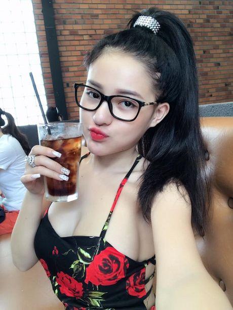 Loi mac phong khoang cua 3 nang 'nam lun' sexy showbiz Viet - Anh 7