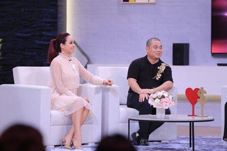 Thoi ngheo kho, Minh Khang phai moi tien trong heo dat cua con de di cho - Anh 2
