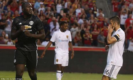 Man United 2-1 Real Salt Lake: Phat sung dau cua Lukaku - Anh 1