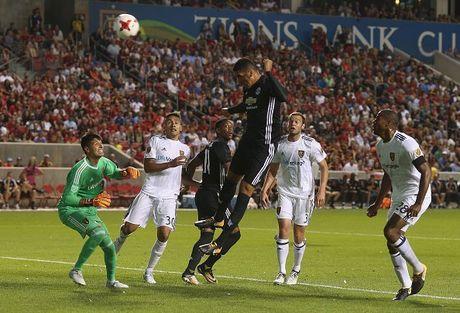 Real Salt Lake 1-2 Man United: Ngay dang quen cho Valencia - Anh 11