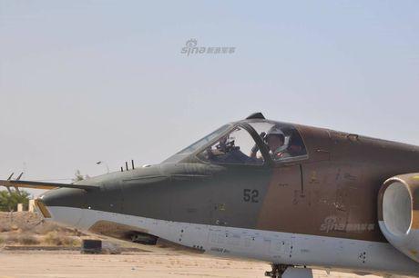 Bi an may bay cuong kich Su-25 Iran khong phu hieu - Anh 4