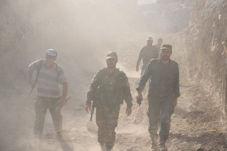 Dai thang, quan Syria hung huc khi the chien dau o Damascus - Anh 12