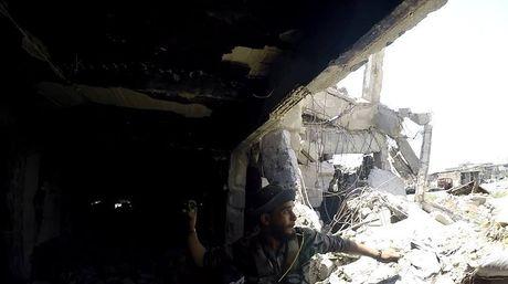 Dai thang, quan Syria hung huc khi the chien dau o Damascus - Anh 2