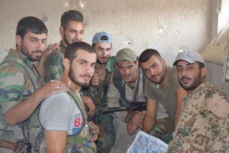 Dai thang, quan Syria hung huc khi the chien dau o Damascus - Anh 5