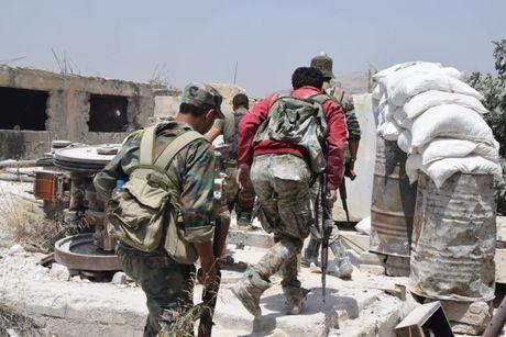 Dai thang, quan Syria hung huc khi the chien dau o Damascus - Anh 7