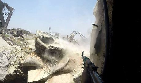 Dai thang, quan Syria hung huc khi the chien dau o Damascus - Anh 8
