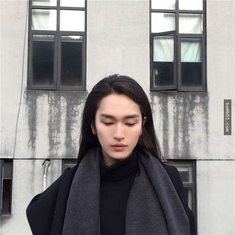 Chang trai Trung Quoc gay choang voi ve dep phi gioi tinh - Anh 2