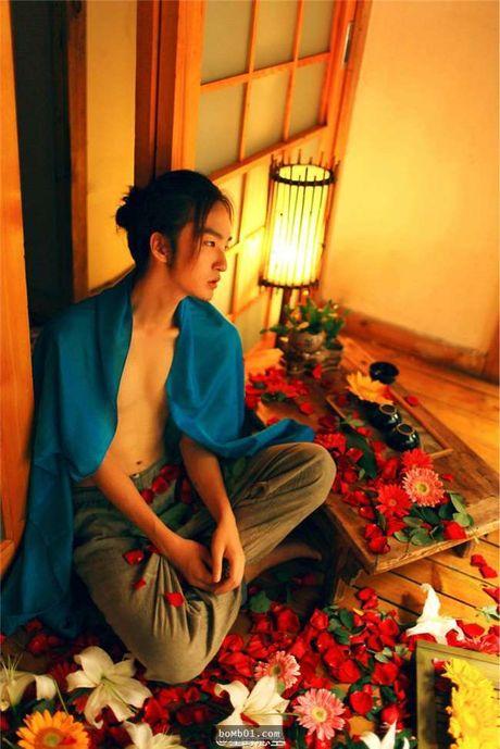 Chang trai Trung Quoc gay choang voi ve dep phi gioi tinh - Anh 7