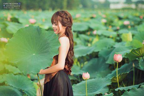 Gai xinh Tuyen Quang khoe lung tran nuot na ben hoa tuong vi - Anh 8