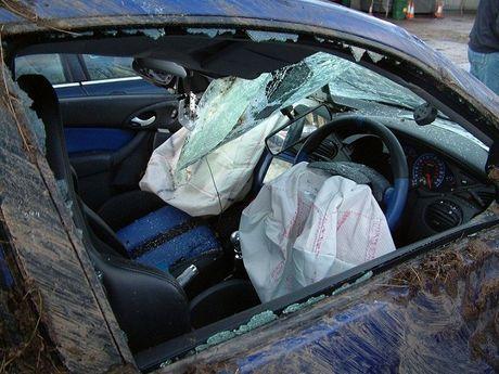 Loi tui khi, Mazda trieu hoi 19.000 xe o Nam Phi - Anh 1