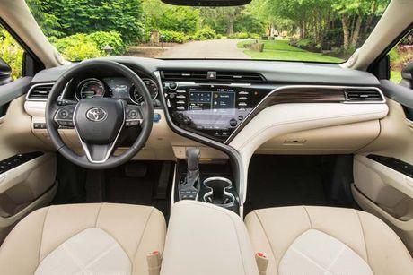 Cuoc doi dau 'dam mau' cua hai nguoi dong huong Nhat Ban: Honda Accord 2018 va Toyota Camry 2018 - Anh 4