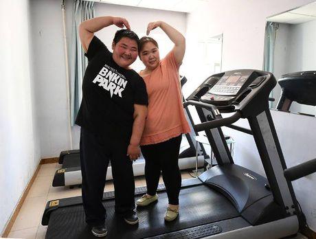 Nguoi dan ong beo nhat Trung Quoc giam than ki gan 100 kg sau su co nga khong tu day noi - Anh 6