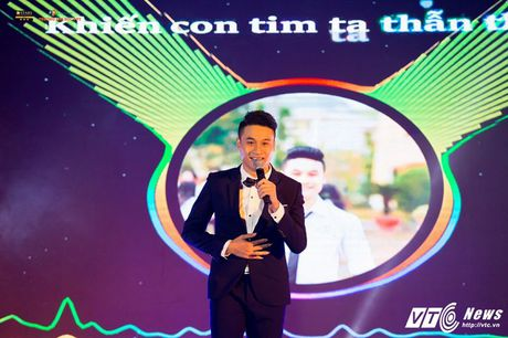 'Hot girl cover mang xa hoi' thanh quan quan tai nang dai hoc FPT mua dau tien - Anh 9