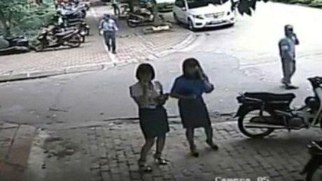 Vu Pho Chu tich quan di an trua: Phat Chu tich phuong 150.000 loi khong MBH - Anh 1
