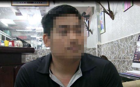 "Clip: Giang ho doi ""mua gach"" vao nha dan o quan Binh Thanh - Anh 1"