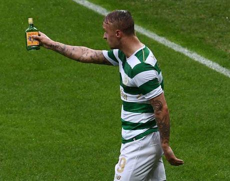 UEFA phat Linfield va Celtic do hanh dong bao luc tai Champions League - Anh 3