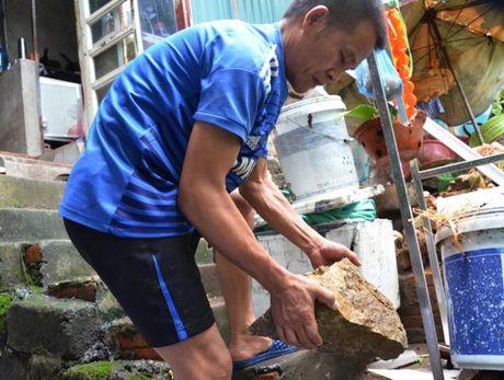 Quang Ninh: Nguoi dan phat hoang khi da roi thung nha - Anh 1