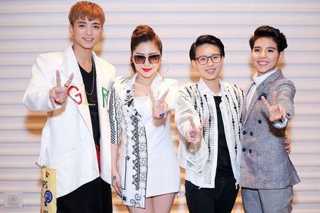 Soobin Hoang Son, Huong Tram hat dan ca ngot lim chung minh chuyen mon - Anh 1