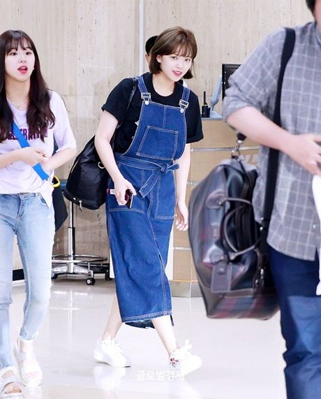 Twice do style cung dan sao chat lu nha SM o san bay - Anh 5