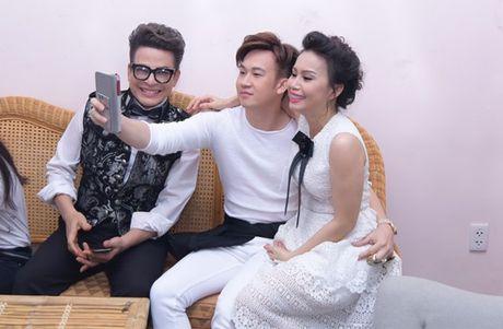 Son Tung M-TP cho hoc tro Doan Trang hat mien phi hit 'Lac troi' - Anh 5