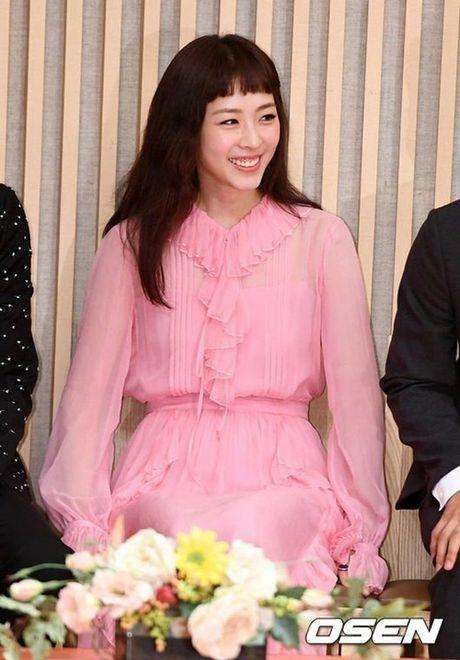 My nhan Lee Yeon Hee bi dim boi kieu mai 'khong ua noi' - Anh 2
