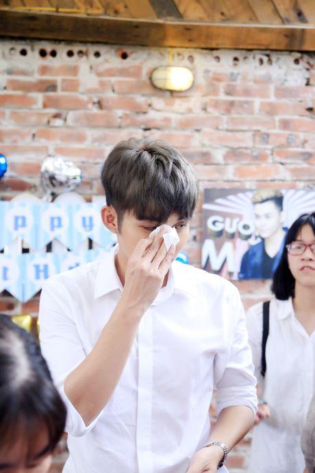Jun Pham xuc dong roi nuoc mat khi gap go khan gia tai Ha Noi - Anh 10