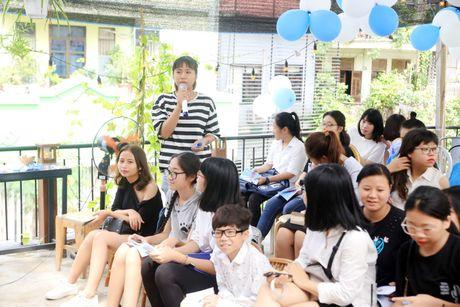 Jun Pham xuc dong roi nuoc mat khi gap go khan gia tai Ha Noi - Anh 12
