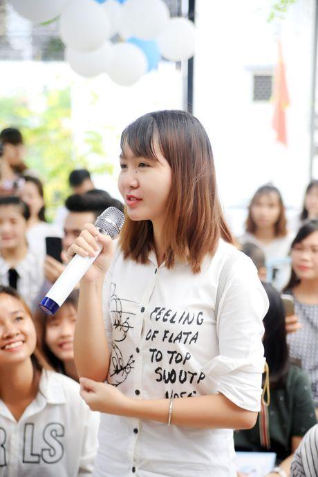 Jun Pham xuc dong roi nuoc mat khi gap go khan gia tai Ha Noi - Anh 15
