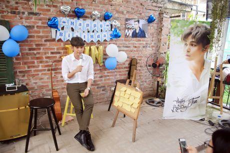 Jun Pham xuc dong roi nuoc mat khi gap go khan gia tai Ha Noi - Anh 18