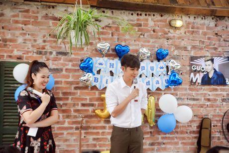 Jun Pham xuc dong roi nuoc mat khi gap go khan gia tai Ha Noi - Anh 3