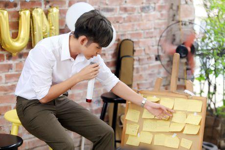 Jun Pham xuc dong roi nuoc mat khi gap go khan gia tai Ha Noi - Anh 4