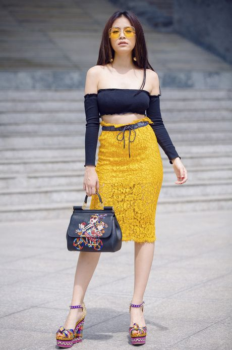 Nhung bo do khoe than hinh goi cam nhat cua Hoang Thuy Linh - Anh 1