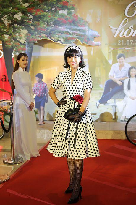 Thoi trang sao Viet xau tuan qua: Hoa hau My Linh lan dau mac xau gay that vong - Anh 3