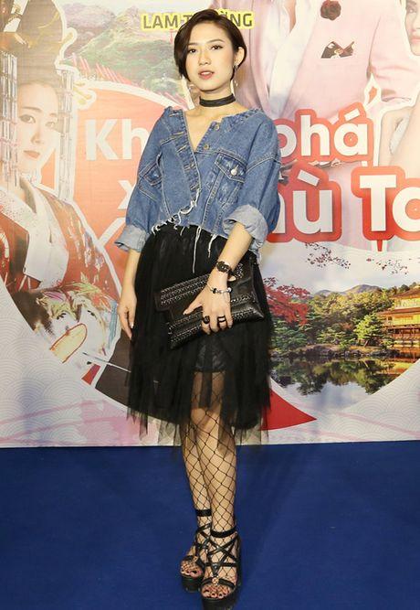 Thoi trang sao Viet xau tuan qua: Hoa hau My Linh lan dau mac xau gay that vong - Anh 6