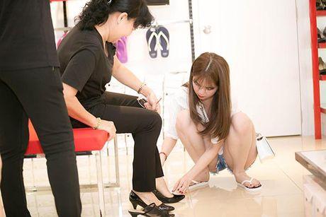 Ngoc Trinh bi che hon lao khi goi thang ten me ke la Sau Phuong - Anh 5