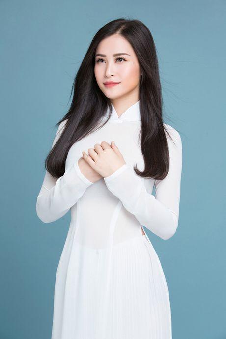 Dong Nhi, Phuong Linh, Doan Trang duyen dang voi ao dai trang tinh khoi - Anh 3