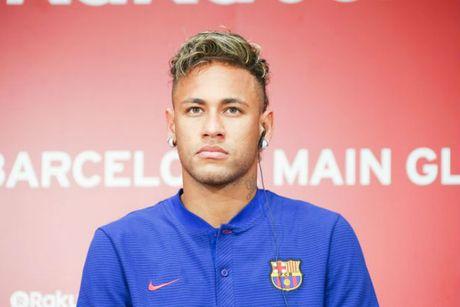 "PSG bo Mbappe, ""tat tay"" 195 trieu bang mua Neymar, Barca sot vo - Anh 1"