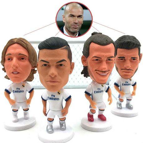 Real dai chien Barca, MU: Zidane dau dau giai bai toan kho - Anh 2